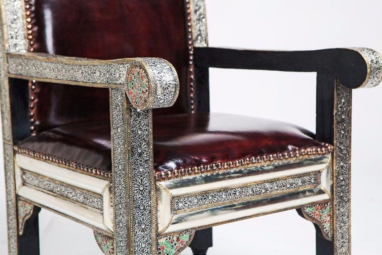 Pair of Fine Leather and Handcrafted White Brass Hollywood Regency Armchairs In Good Condition For Sale In Stamford, CT