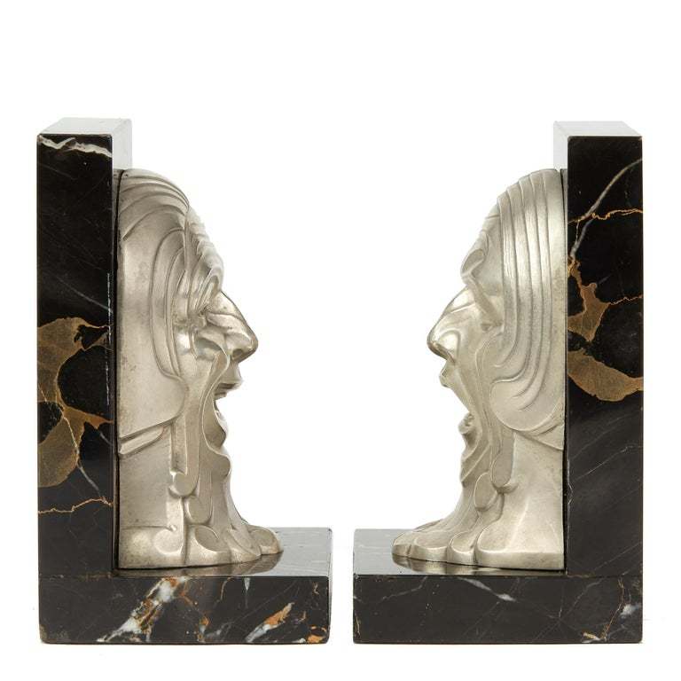 Pair of French Art Deco Comedy and Tragedy Bookend, circa 1930 In Good Condition For Sale In Bishop's Stortford, Hertfordshire
