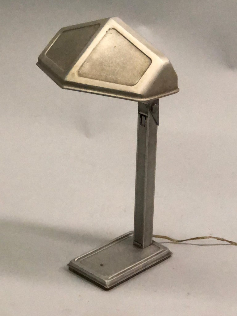 Mid-Century Modern Pair of French Early Modern Adjustable Aluminum Table/Desk Lamps by Pirette 1930 For Sale