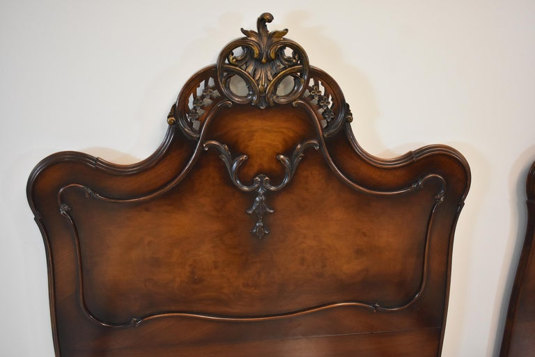 Pair of French Louie XV Style Walnut Twin Bed Frames by Irwin Furniture In Good Condition In Toledo, OH
