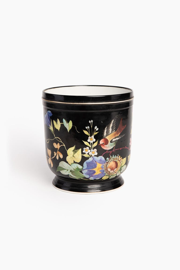 Hand-Painted Pair of French Napoleon III Hand Decorated Cachepots, 1880 For Sale