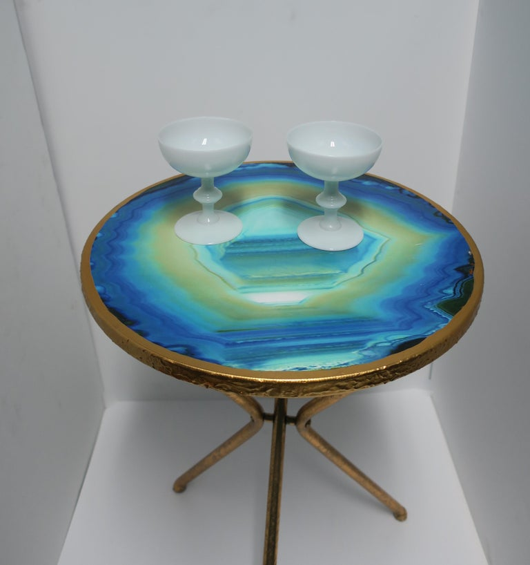Pair of French White Opaline Champagne Glasses by Portieux Vallerysthal In Excellent Condition For Sale In New York, NY