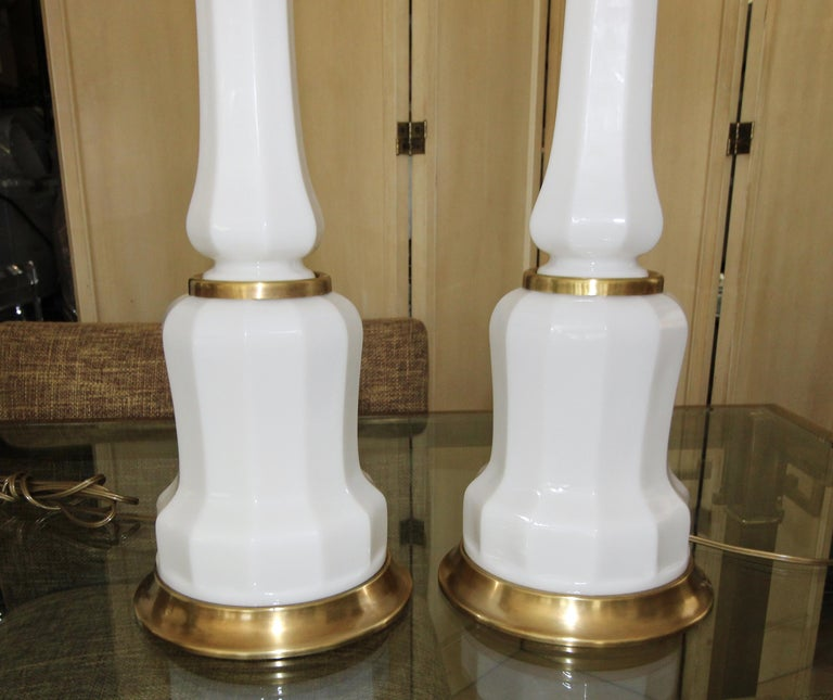 Pair of French White Opaline Table Lamps For Sale 1