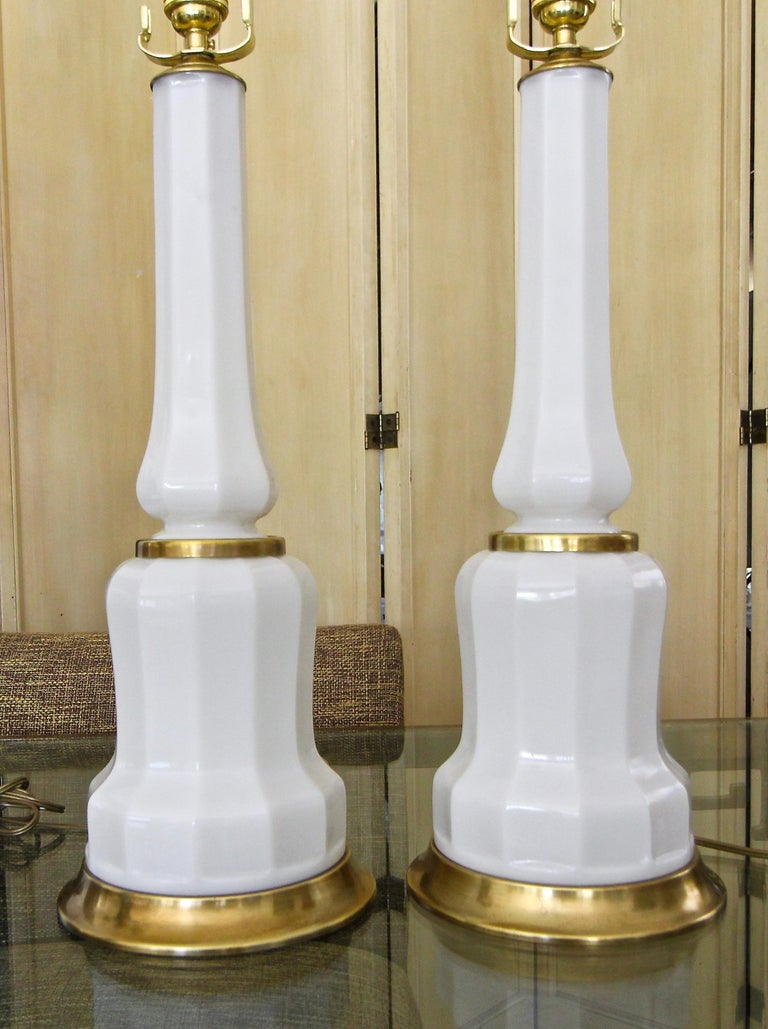 Pair of French White Opaline Table Lamps For Sale 3