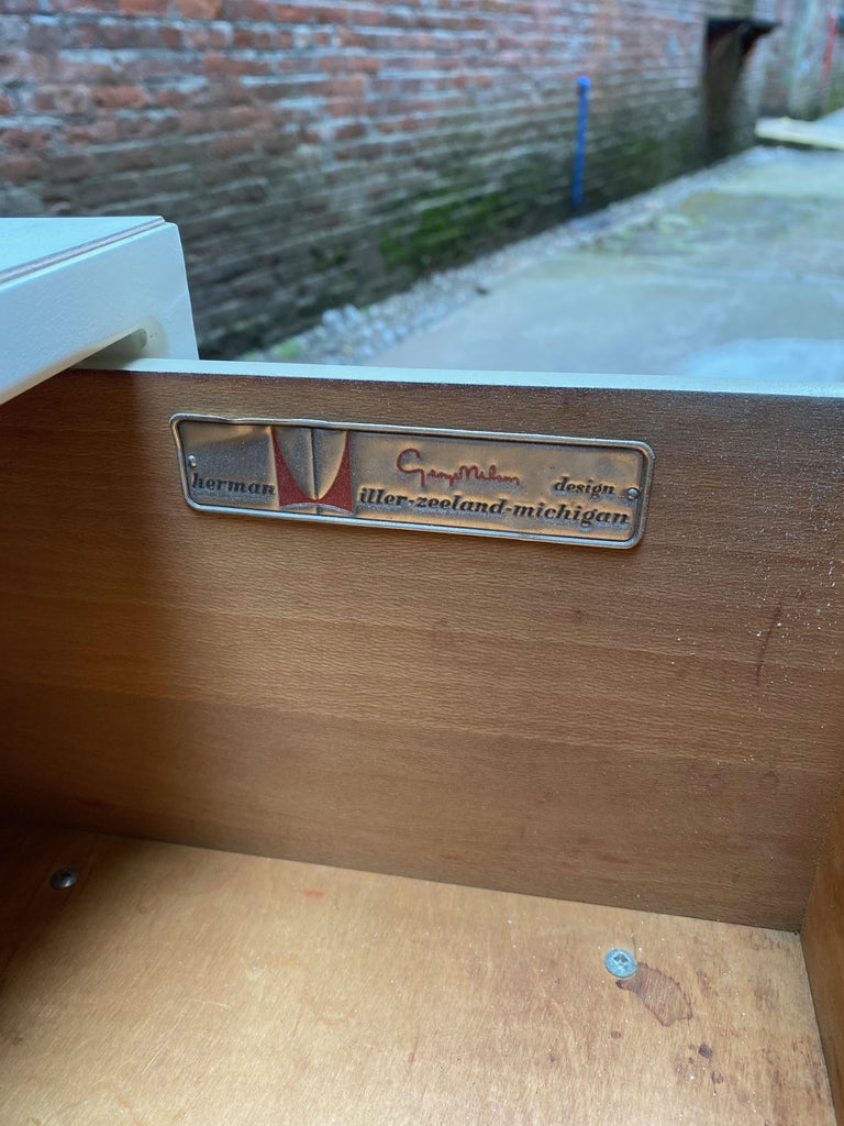 Pair of George Nelson for Herman Miller Steel Frame Dressers For Sale 5
