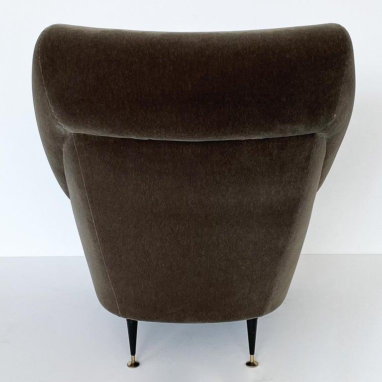 Pair Gigi Radice Italian Lounge Chairs in Mohair For Sale 3