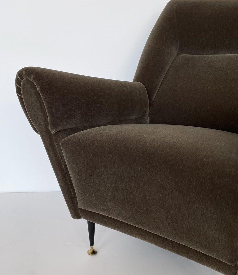 Pair Gigi Radice Italian Lounge Chairs in Mohair For Sale 4