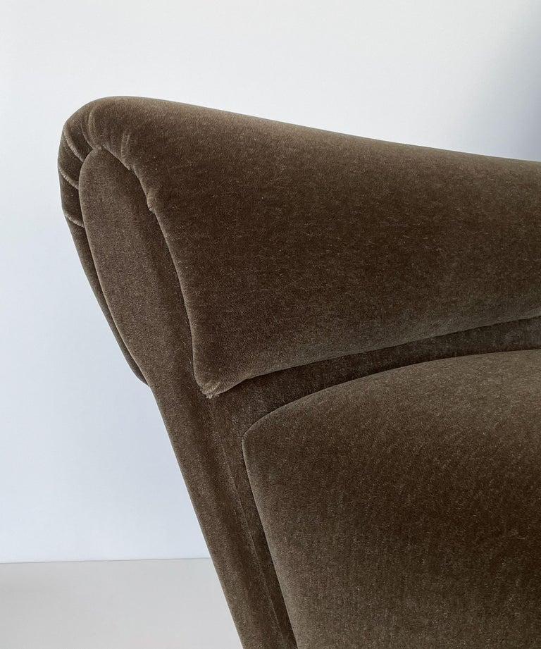 Pair Gigi Radice Italian Lounge Chairs in Mohair For Sale 5