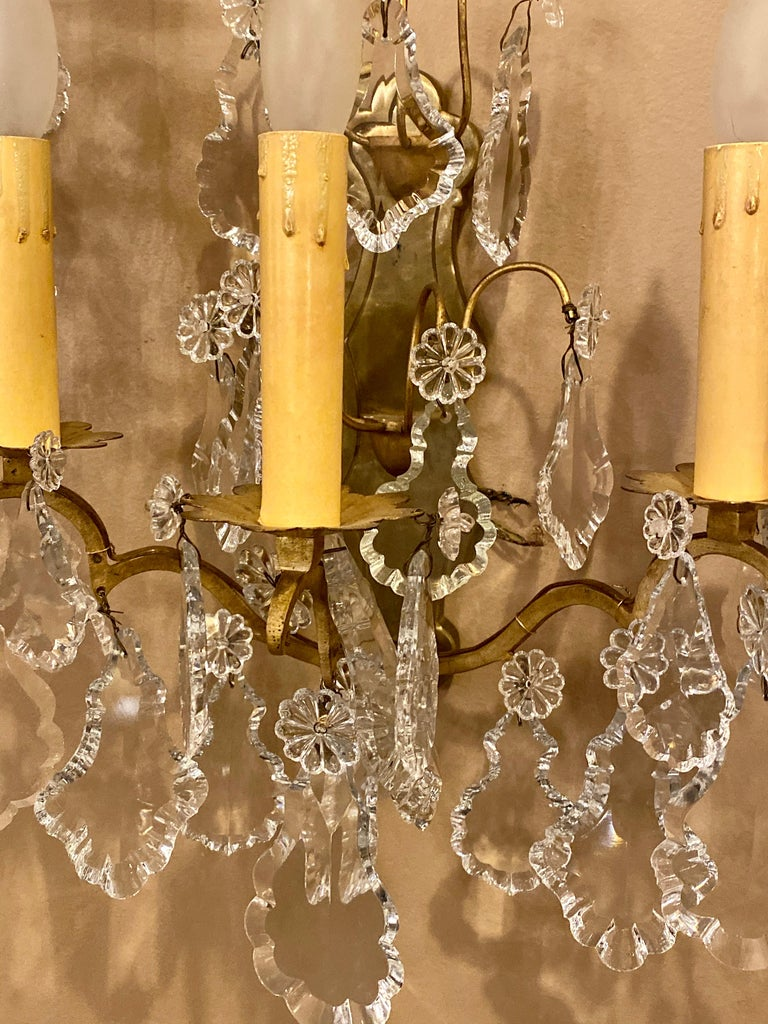 Gilt Bronze and Crystal Three-Light Wall Sconces French Early 20th Century, Pair For Sale 4