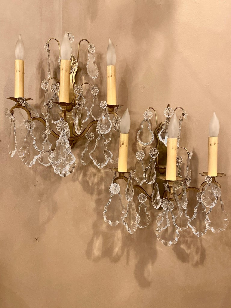 Gilt Bronze and Crystal Three-Light Wall Sconces French Early 20th Century, Pair For Sale 5