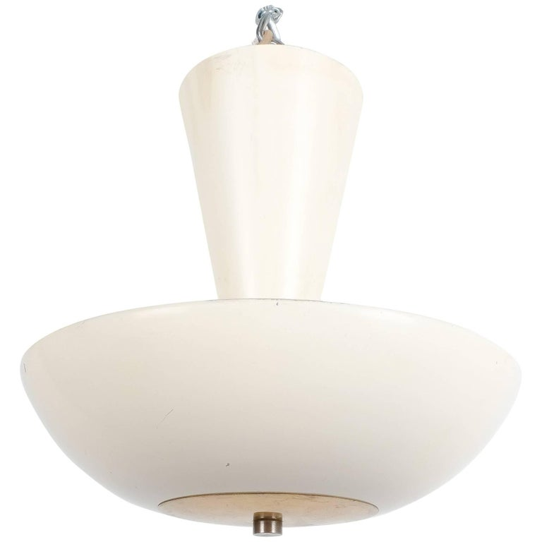 Gino Sarfatti Arteluce 3003 ceiling lamp or semi flush mounts, Italy, 1950. Two pieces available, priced and sold individually. Desirable white (egg-shell) painted aluminum light with brass accents in original condition (good condition with signs of