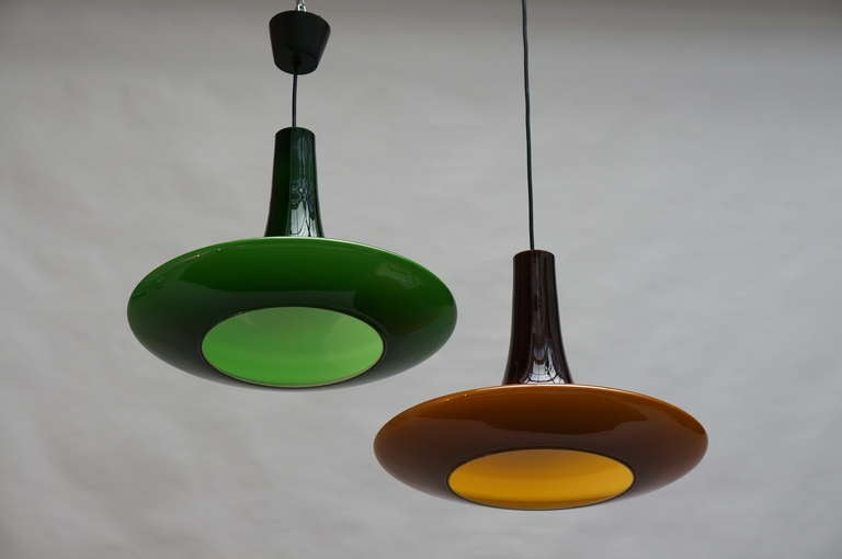 One of Four Glass Pendant Lights by Peil and Putzler, 1970s, Germany In Good Condition For Sale In Antwerp, BE