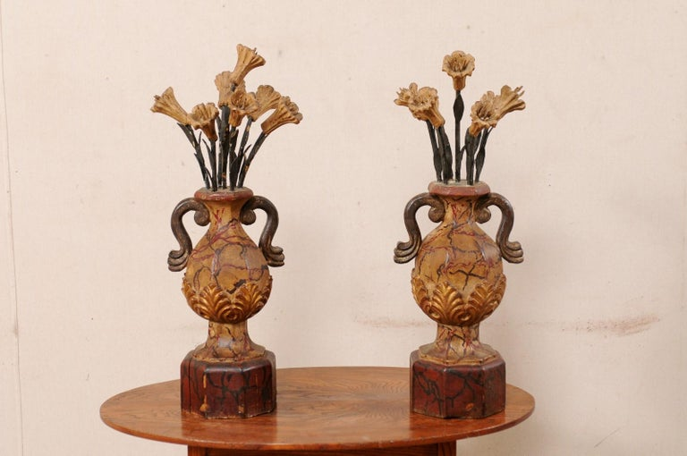 Pair of Italian Antique Carved-Wood Bouquet Urns with Polychrome Finish In Good Condition For Sale In Atlanta, GA