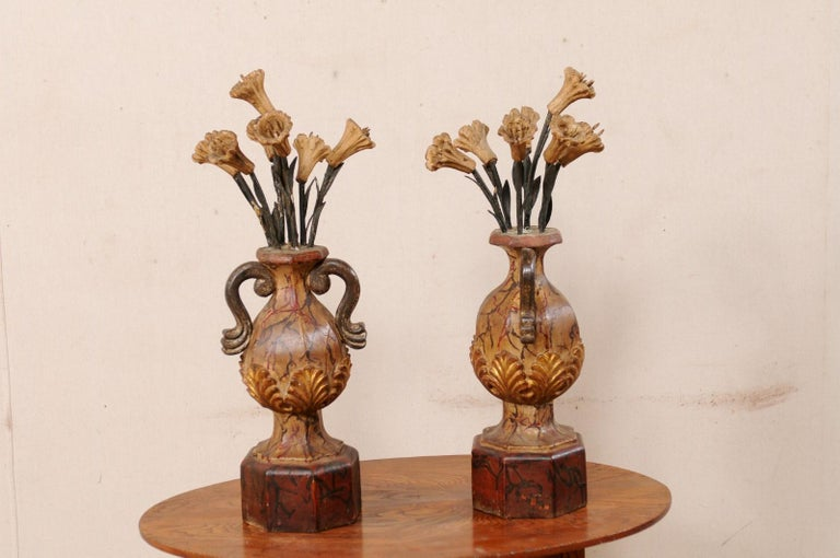 Pair of Italian Antique Carved-Wood Bouquet Urns with Polychrome Finish For Sale 1