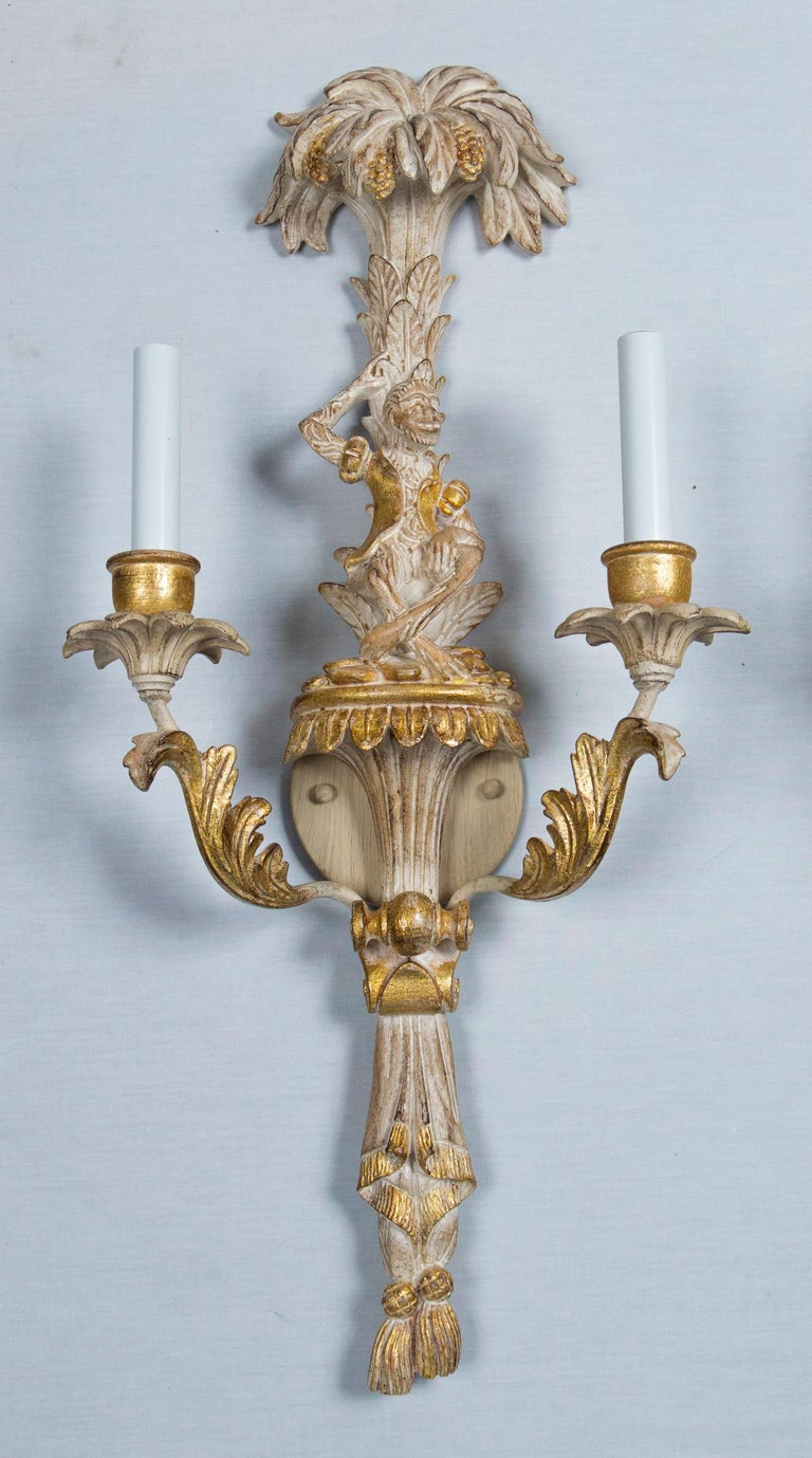 Pair of Italian Carved Wood Chinoiserie Sconces with Monkeys and Palms In Excellent Condition For Sale In Stamford, CT