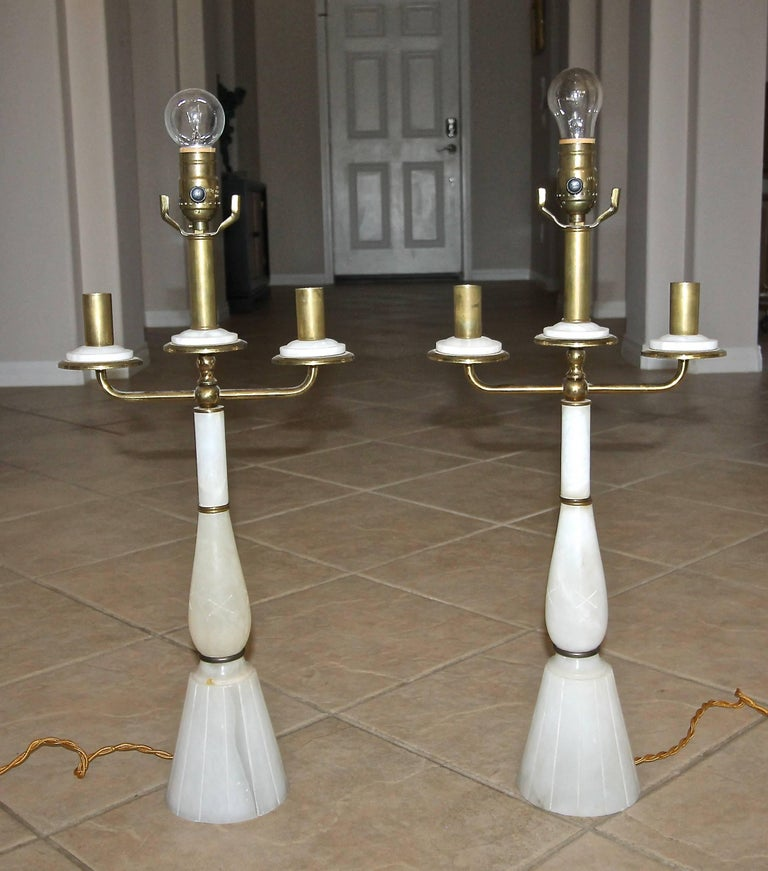 Pair of Italian Gio Ponti Style Alabaster Brass Lamps In Good Condition For Sale In Palm Springs, CA