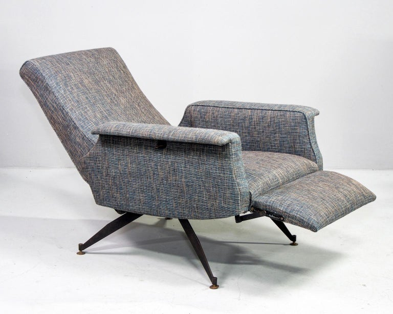 Pair of Italian Midcentury Lounge Chairs with New Tweed Upholstery For Sale 1