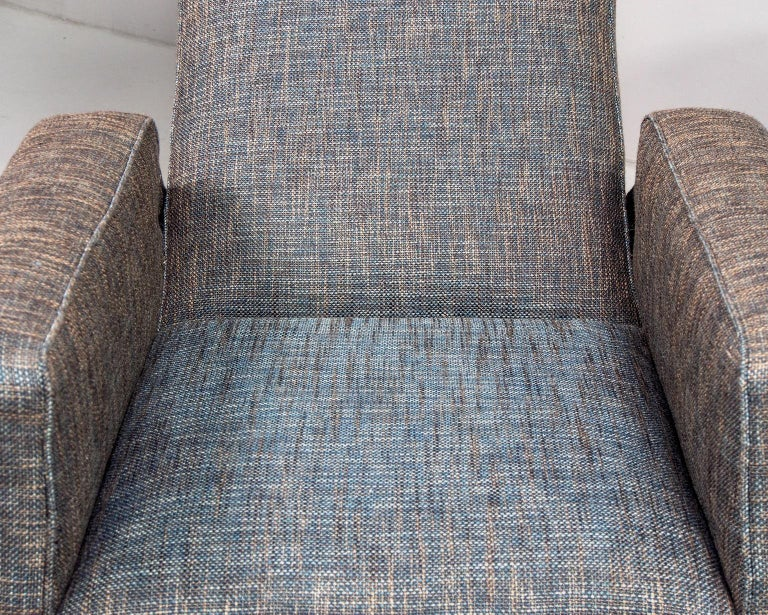 Pair of Italian Midcentury Lounge Chairs with New Tweed Upholstery For Sale 2