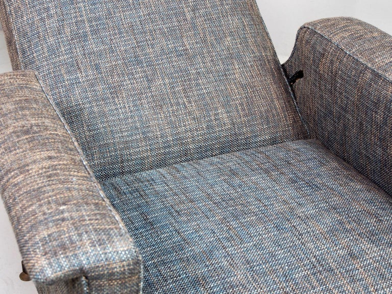 Pair of Italian Midcentury Lounge Chairs with New Tweed Upholstery For Sale 3
