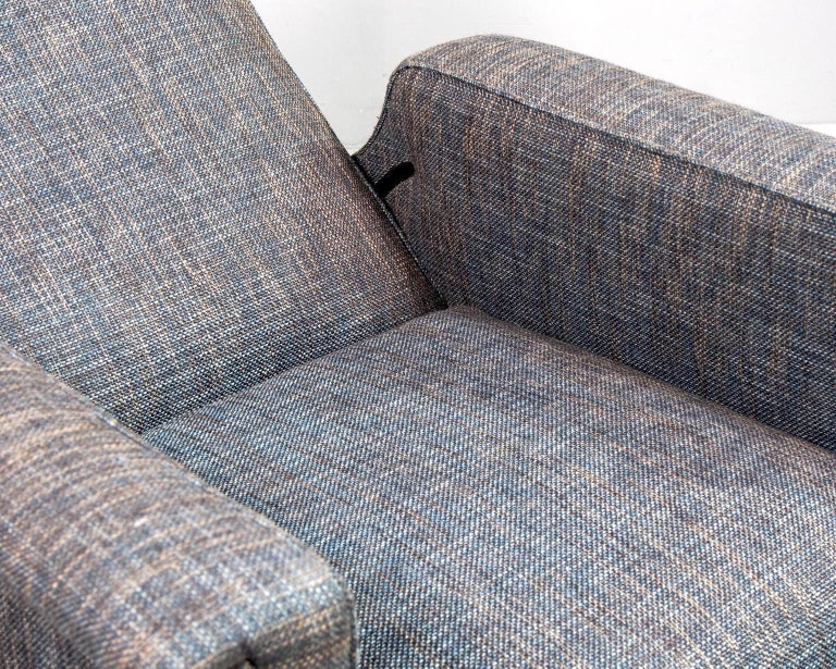 Pair of Italian Midcentury Lounge Chairs with New Tweed Upholstery For Sale 4