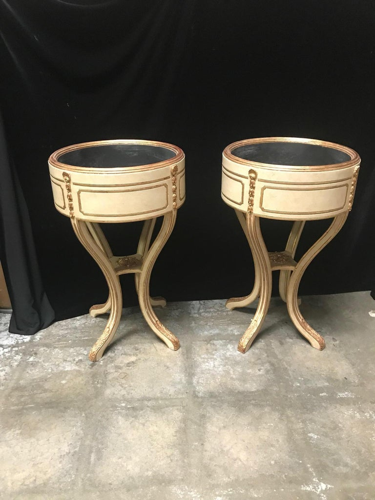 20th Century Pair Italian Neoclassical Style Painted Jardiniere For Sale