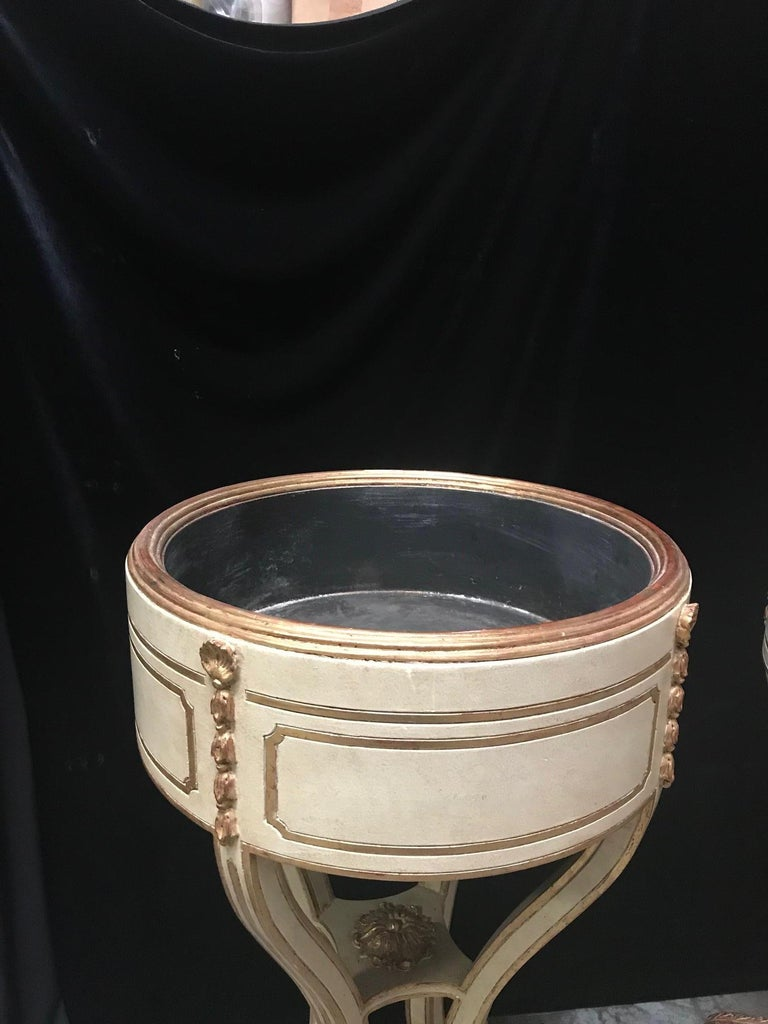 Pair Italian Neoclassical Style Painted Jardiniere For Sale 1