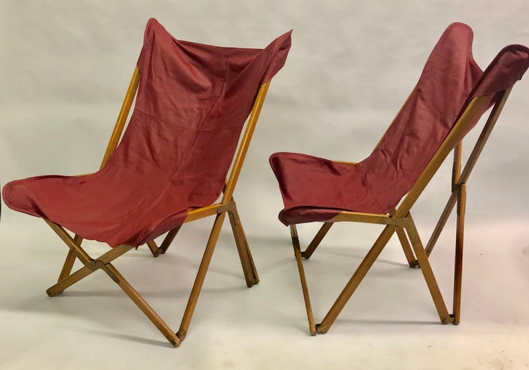 Mid-Century Modern Pair of Italian Wood and Leather Folding 'Tripolina' Lounge Chairs, Joseph Fendy For Sale