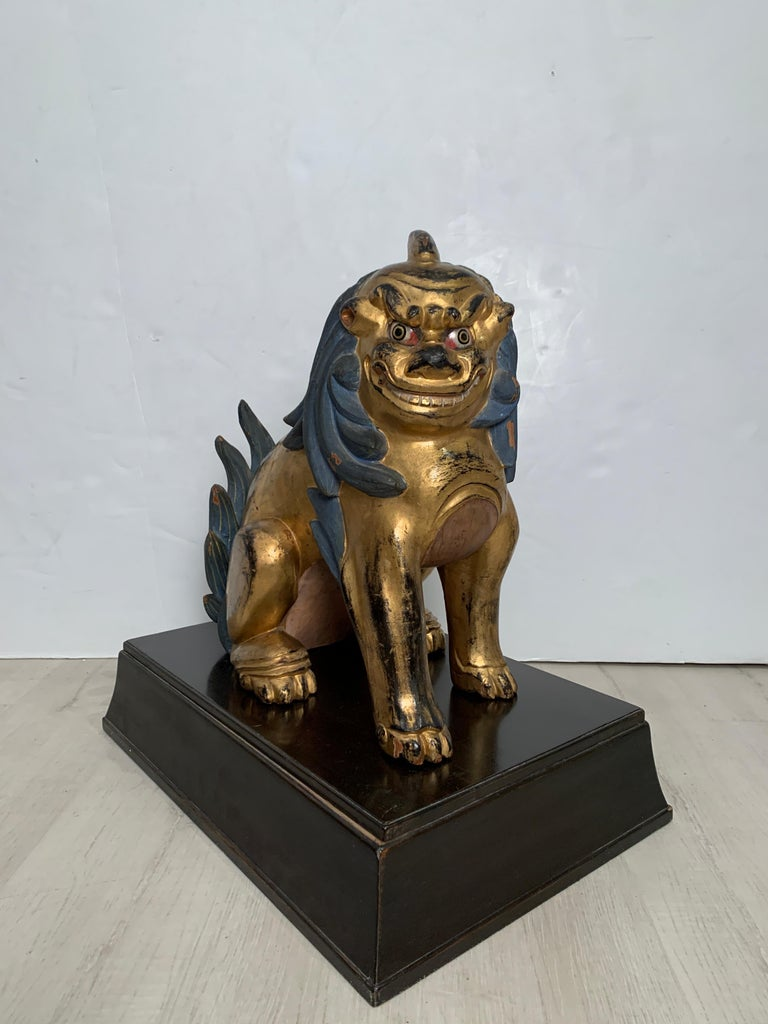 Pair of Japanese Gilt Wood Komainu, Guardian Lions, Early 20th Century, Japan For Sale 1