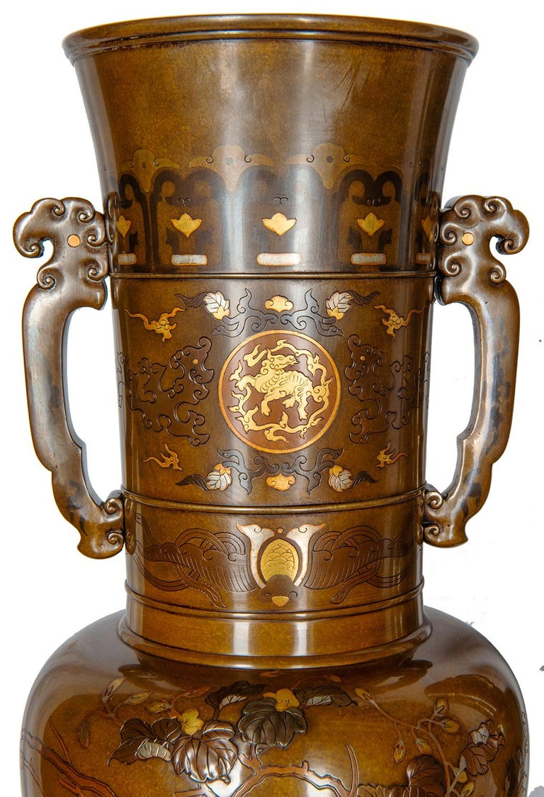 Japonisme Pair of Japanese Meiji Period Bronze and Gilt Vases For Sale