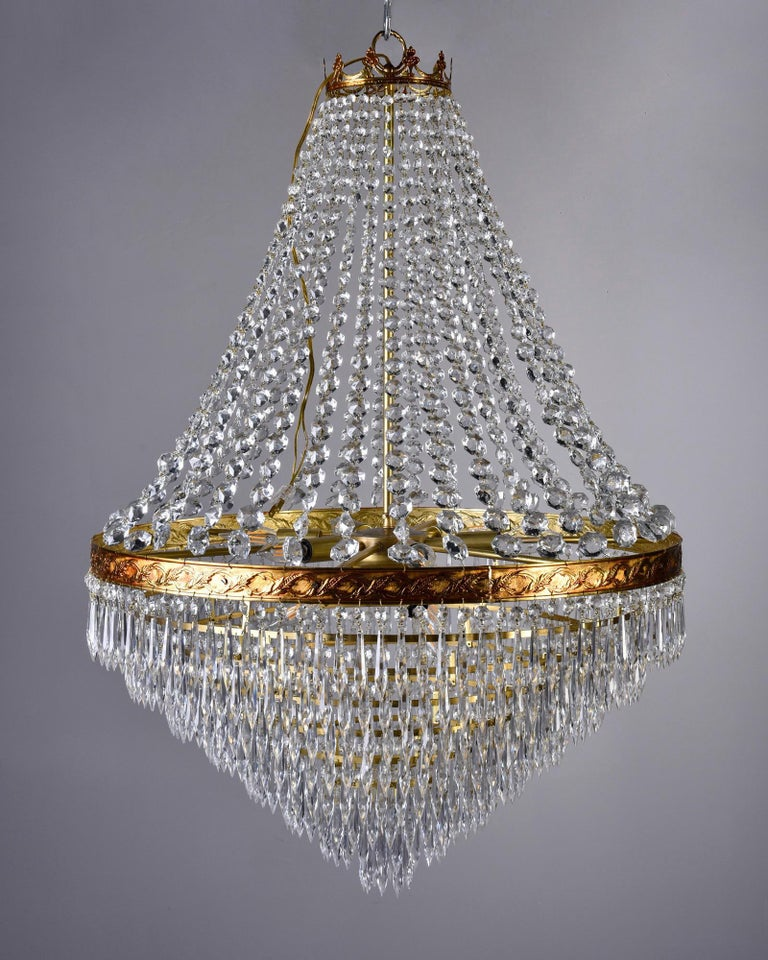 Large Midcentury Italian Wedding Cake Style Brass and Crystal Chandeliers, Pair For Sale 1