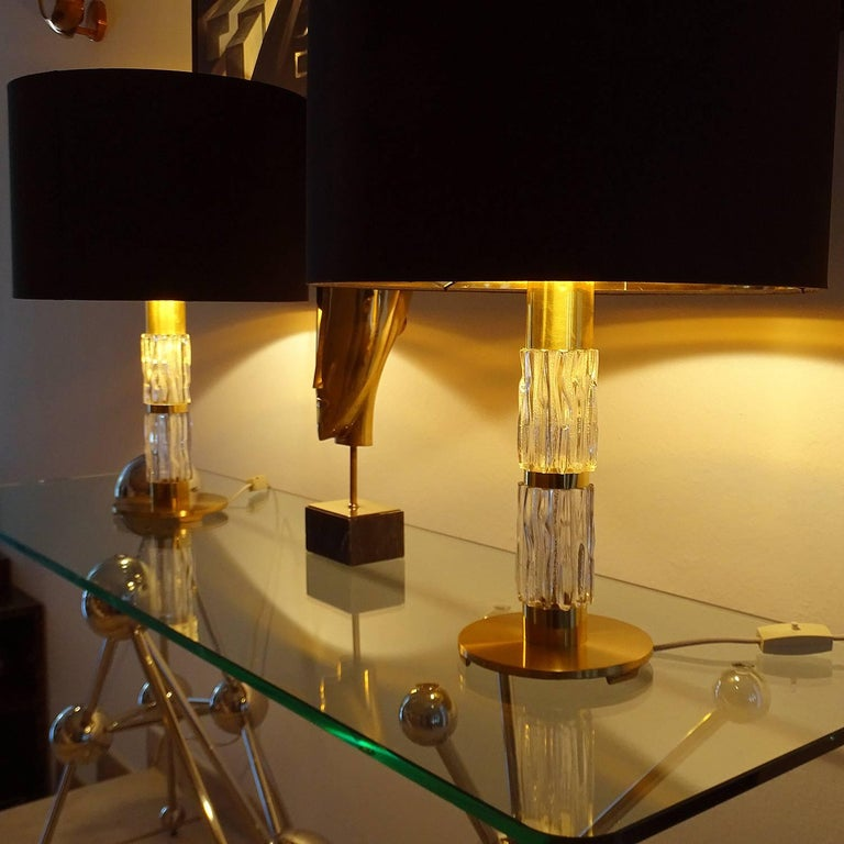 Pair of MidCentuy Modern Kalmar  Glass Table Lamps with Brass Fittings For Sale 3