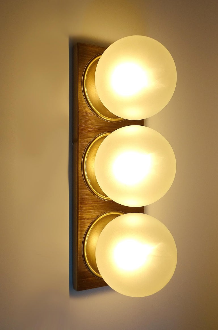 Pair Large MidCentury  Kaiser Glass Globe and Brass Sconces Wall Lights , 1960s For Sale 5