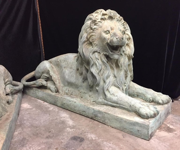 Pair Lifesize Bronze Lions Signed Alex Browns In Good Condition For Sale In Cypress, CA