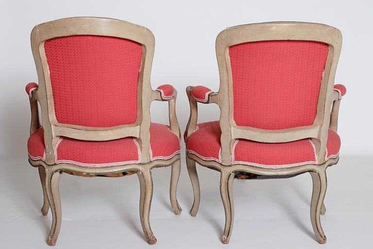 Hand-Carved Pair of Louis XV Painted Fauteuils For Sale