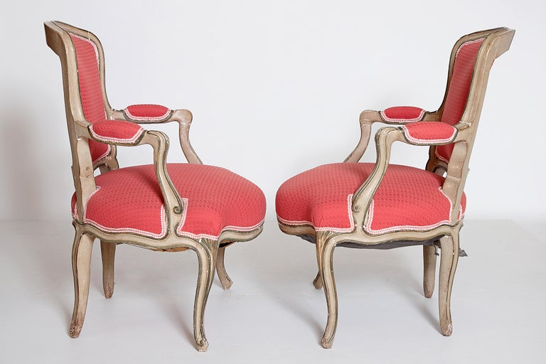 Pair of Louis XV Painted Fauteuils In Good Condition For Sale In Dallas, TX