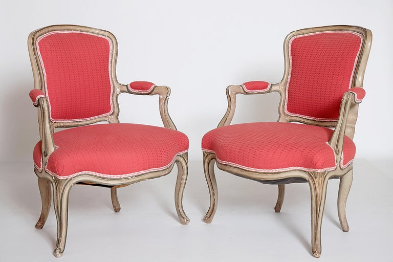 18th Century and Earlier Pair of Louis XV Painted Fauteuils For Sale