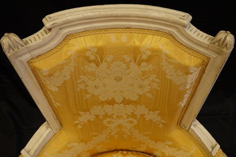 Pair of Louis XVI Period Bergères in Yellow Silk Lampas Fabric For Sale 6
