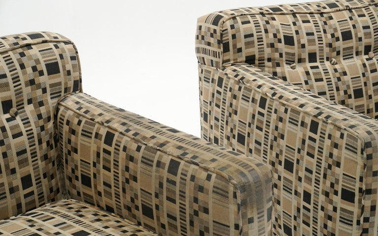Pair of Lounge Chairs by Edward Wormley for Dunbar, Priced for Reupholstery In Good Condition For Sale In Kansas City, MO