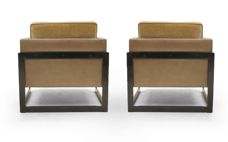 Pair Lounge Chairs by Milo Baughman, Camel / Tan Mohair and Leather, Beautiful In Good Condition For Sale In Kansas City, MO