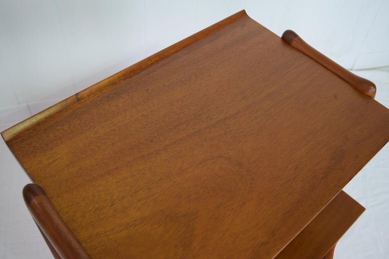 Pair of Mahogany Night Stands or End Table by Hickory Manufacturing For Sale 3