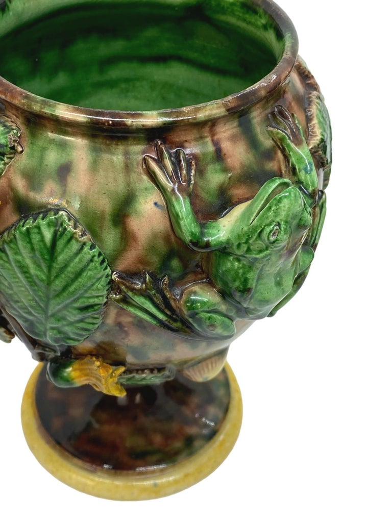 Pair of Majolica Palissy Ware Vases with Frogs, Thomas Sergent French circa 1885 For Sale 1