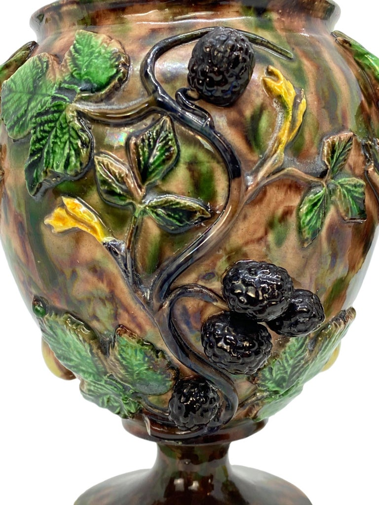 Pair of Majolica Palissy Ware Vases with Frogs, Thomas Sergent French circa 1885 For Sale 2