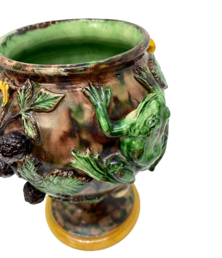 Pair of Majolica Palissy Ware Vases with Frogs, Thomas Sergent French circa 1885 For Sale 3