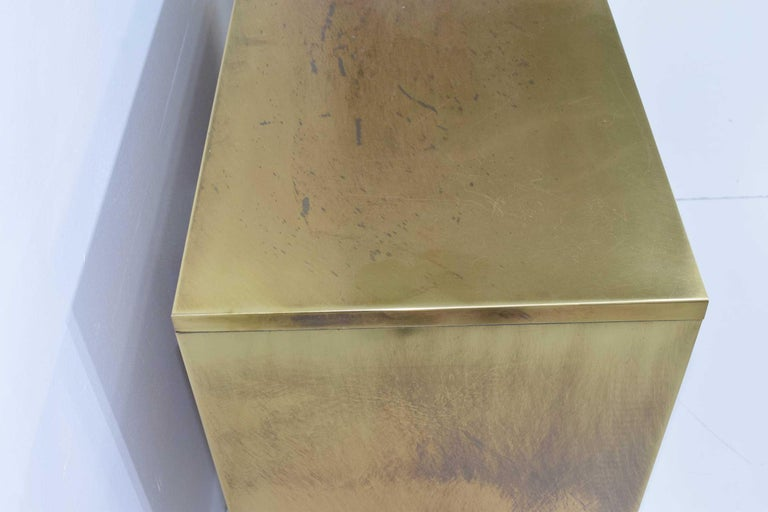 Pair Mastercraft Commode Nightstands Chests Brass Veneer Depicting Four Dynastys For Sale 7