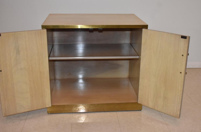 Pair of Mastercraft Nightstands Brass and Zebrano / Zebra Wood In Good Condition In Toledo, OH