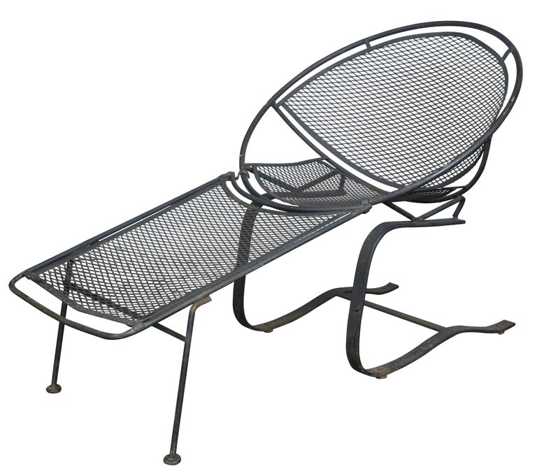 Pair of Maurizio Tempestini for Salterini Chaise Lounges, Wrought Iron For Sale 3