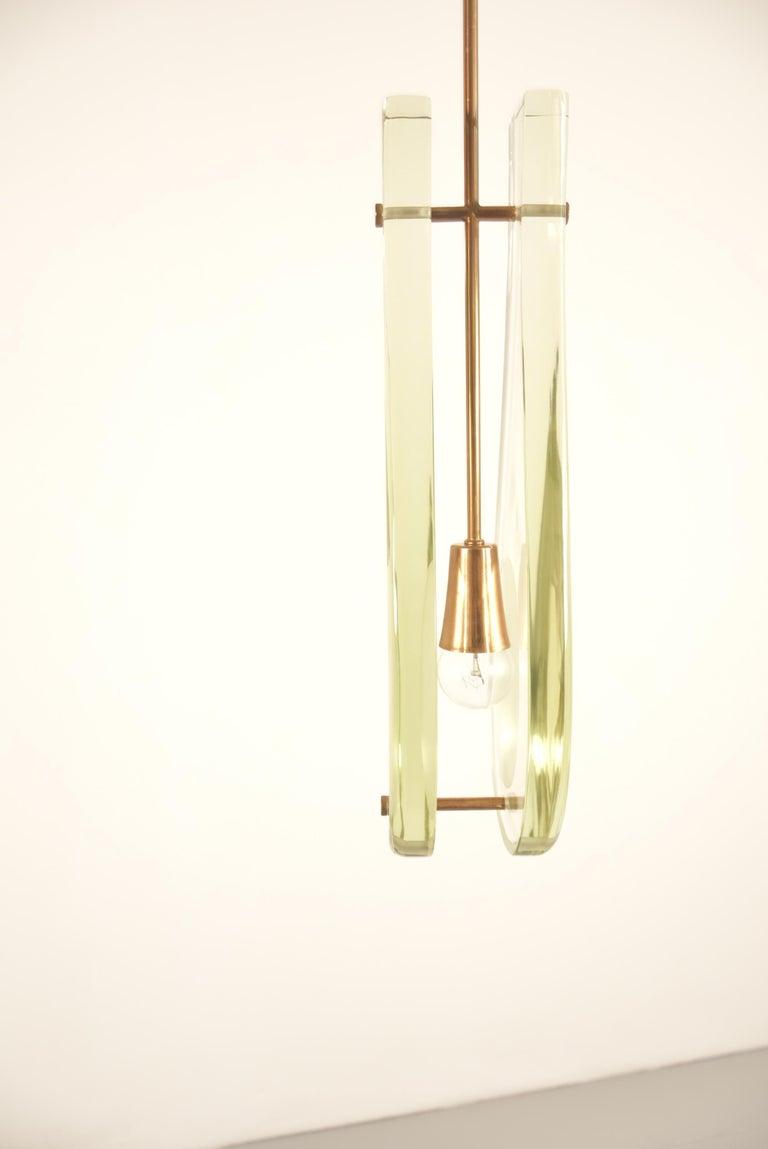 Pair of Max Ingrand Pendant Model 2259 for Fontana Arte For Sale 7