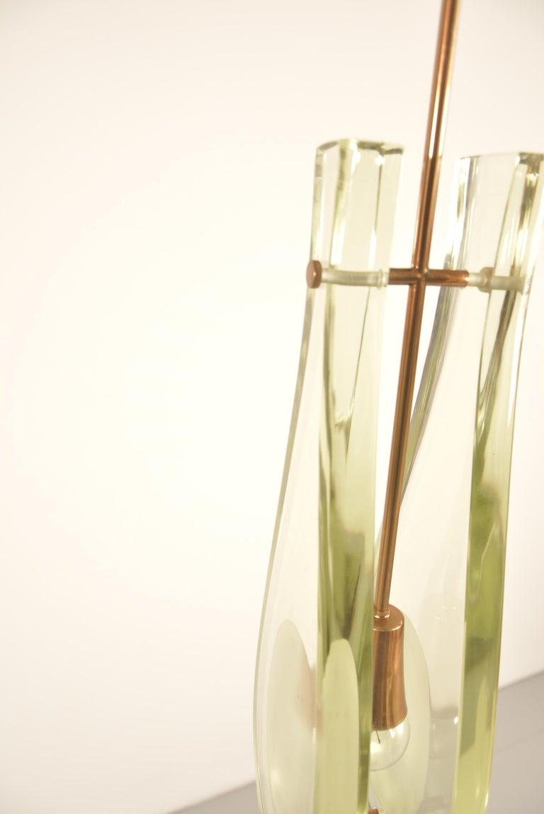 Pair of Max Ingrand Pendant Model 2259 for Fontana Arte For Sale 9