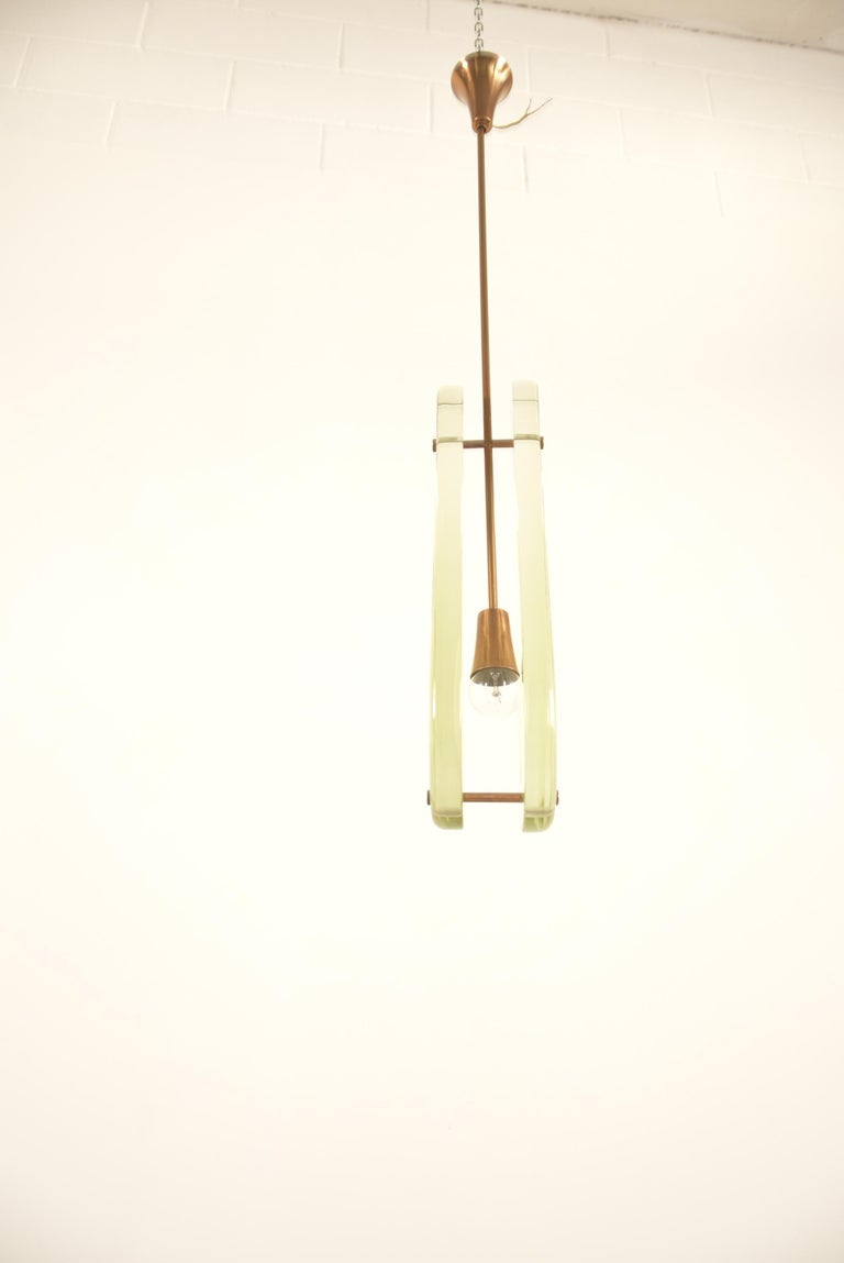 Pair of Max Ingrand Pendant Model 2259 for Fontana Arte For Sale 10