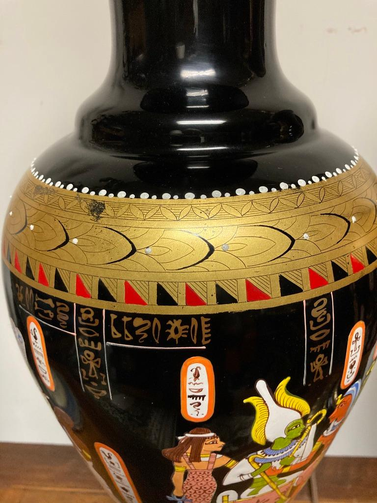 Pair Mid Century Black Glass Lamps with Egyptian Decoration In Good Condition For Sale In Stamford, CT